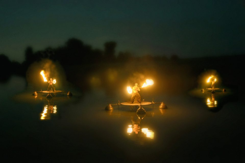 showflamme_fous_flottants_feu_fire_water_show_spectacle_aquatique_burner_3