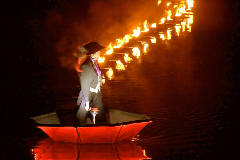 showflamme_fous_flottants_feu_fire_water_show_spectacle_aquatique_burner_5