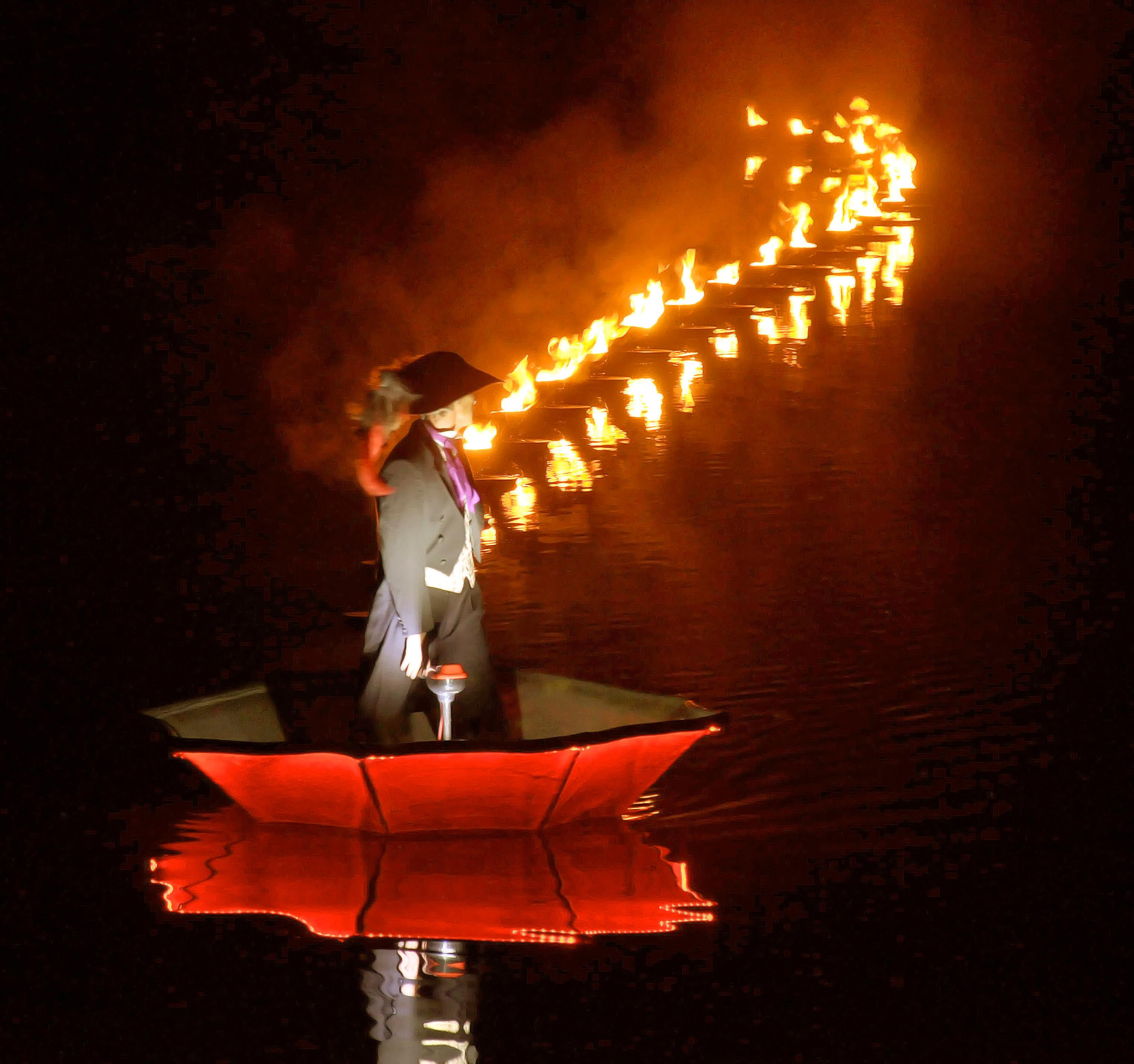 showflamme_fous_flottants_feu_fire_water_show_spectacle_aquatique_burner_5